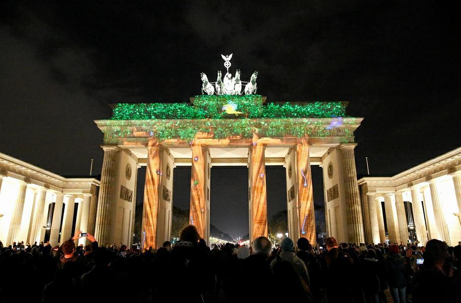 Berlin, podświetlona Brama Brandenburska