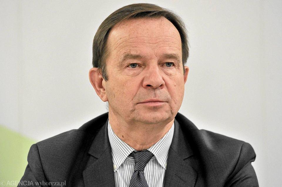 Zdjęcie numer 2 w galerii - Marszałek o przetargu: Decyzja ma charakter polityczny
