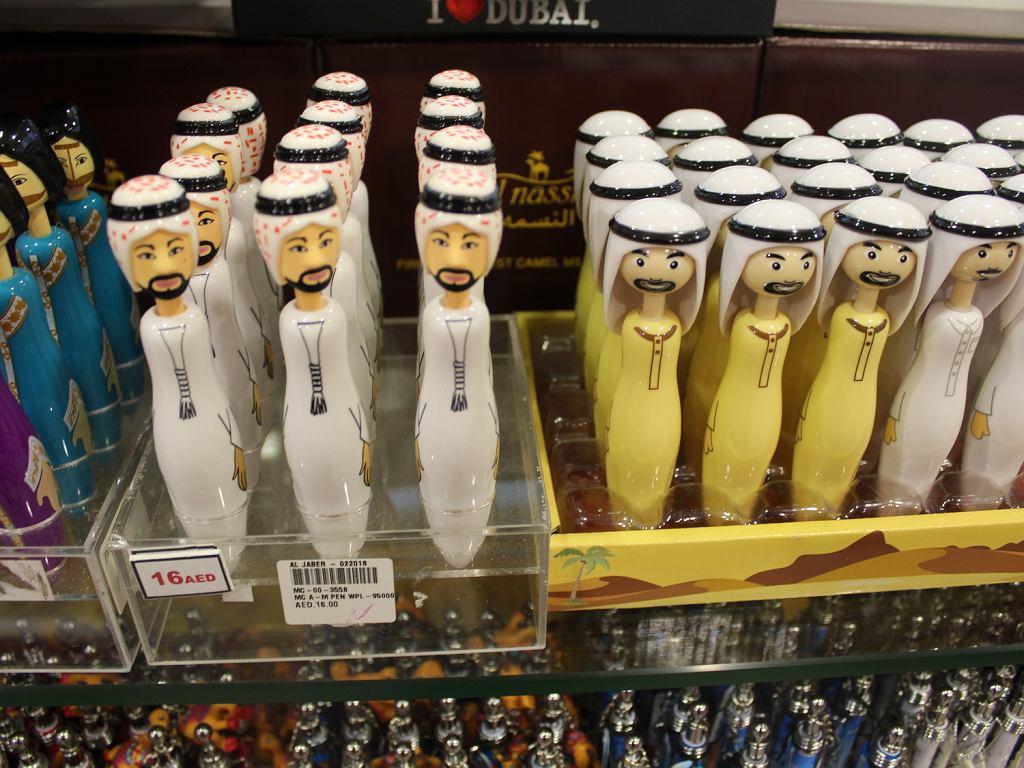 Długopisy w sklepie z pamiątkami w Medinat Jumeirah w Dubaju