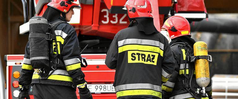 Ostróda. Pożar dwóch łodzi na Jeziorze Drwęckim. Cztery osoby są ranne