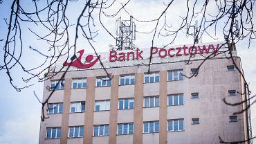 Według UOKiK Bank Pocztowy nie zwracał kosztów wcześniej spłaconych kredytów.