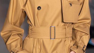 Płaszcz z paskiem w talii