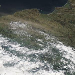 Zawieje piaskowe w Polsce tak duże, że widać je na zdjęciach NASA. Ale to nie pył znad Sahary