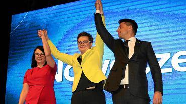 Katarzyna Lubnauer, Ryszard Petru i Kamila Gasiuk-Pihowicz chwilę po ogłoszeniu wyników na przewodniczącego partii Nowoczesna. Konwencja Krajowa Nowoczesnej, Warszawa, 25 listopada 2017