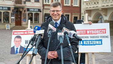 Wiceminister sprawiedliwości Marcin Warchoł po raz kolejny wystąpił bez maseczki