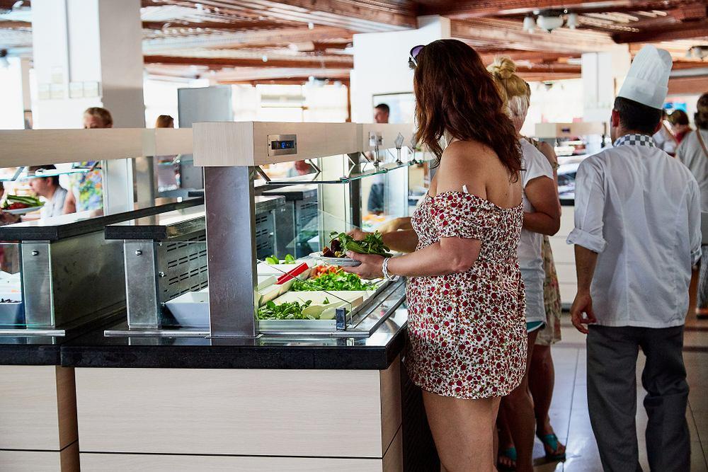Bufety w hotelach mogą stracić na popularności przed pandemię