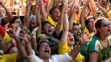 Brazylijczycy cieszą się z pokonania Chile