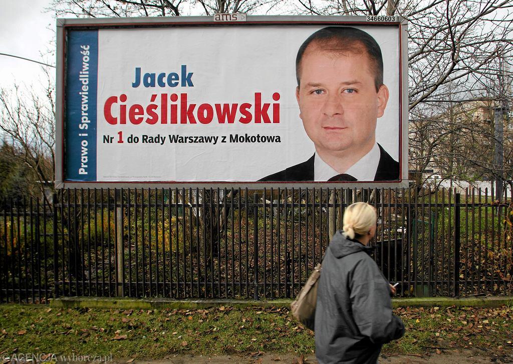 Plakat wyborczy asystenta Jarosława Kaczyńskiego Jacka Cieślikowskiego