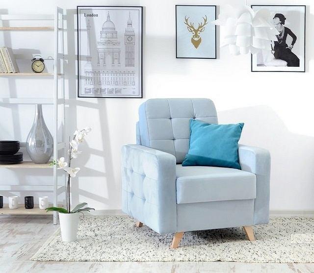 Fotel Velvet w pięknym pastelowym błękicie