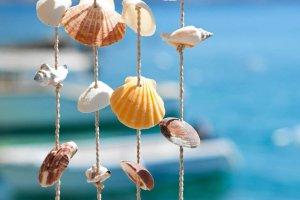 Dekoracje: nie tylko z muszelek, kamieni, gałęzi