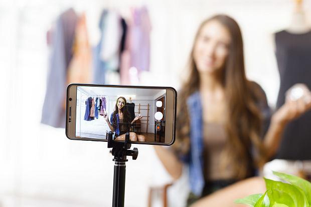 48 procent polskich nastolatek chciałoby w przyszłości być youtuberką, instagramerką albo tiktokerką