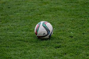 Dużo piłki nożnej, koszykówka i trójbój siłowy [PLAN WEEKENDU]