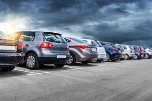 Jak parkować pod Lidlem czy Biedronką, żeby wszystkim żyło się lepiej