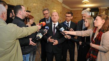 Pierwszy briefing Piotra Krzystka po oficjalnym ogłoszeniu wyników drugiej tury wyborów prezydenta Szczecina