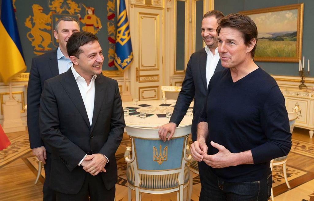 Wołodymyr Zełenski i Tom Cruise podczas spotkania na Ukrainie.