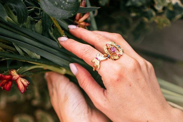 pierścionki z kamieniami