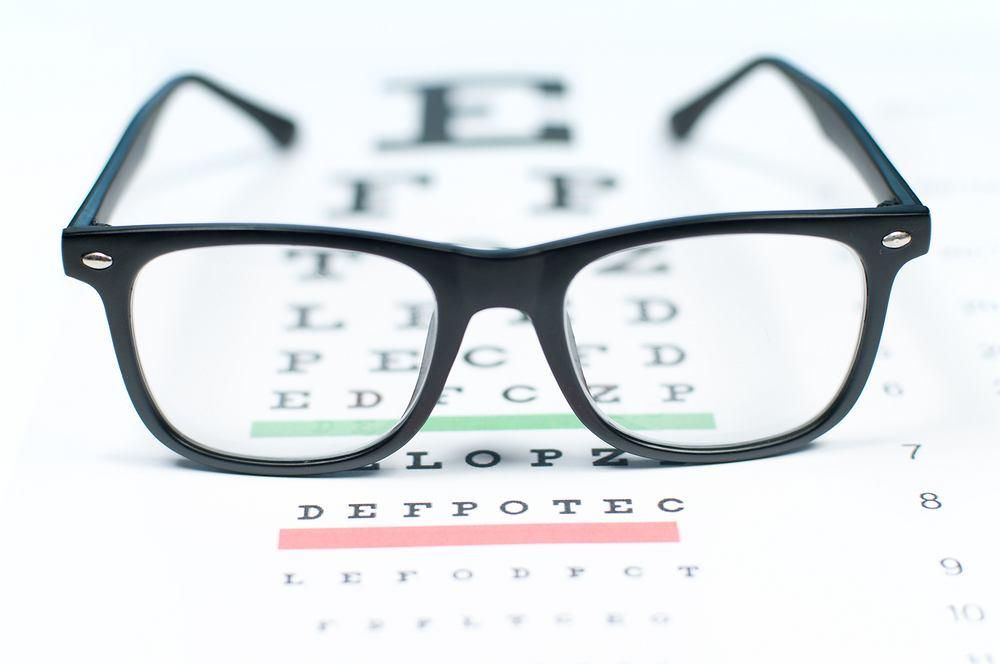 Zaburzenia widzenia - jakie mogą być ich przyczyny? Jak je leczyć?