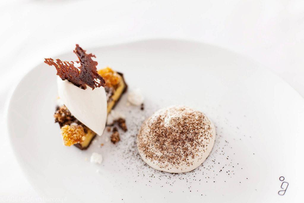 Deser w restauracji Genesis na placu Europejskim  / DAWID ŻUCHOWICZ