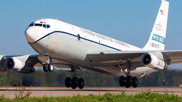 Boeing OC-135B z USA latający w ramach Traktatu o otwartych przestworzach.