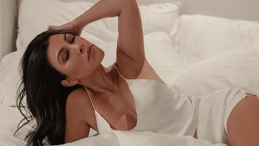 Poranna joga z Kourtney Kardashian