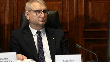 Stanisław Pięta nadal posiada dostęp do tajemnic państwowych