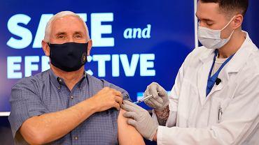 Szczepienie przeciwko Covid-19 wiceprezydenta USA Mike'a Pence'a