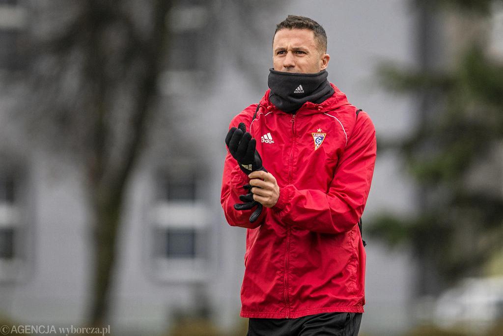 Igor Angulo podczas meczu Górnik Zabrze - Banik Ostrawa 2:1 w Bieruniu