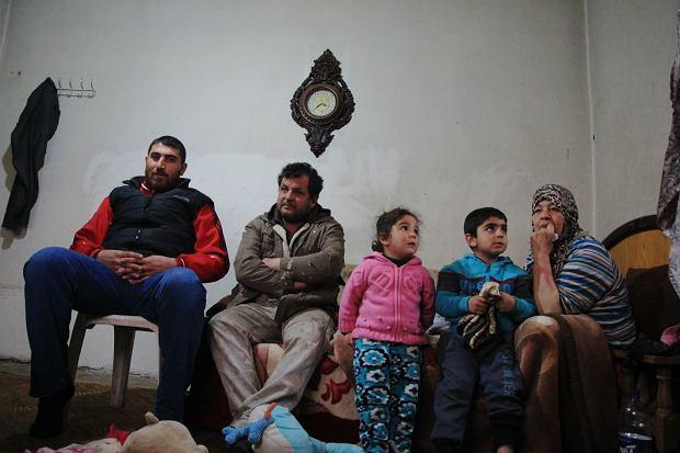 Hassan, jego libański sąsiad, dzieci i jego matka, Roda