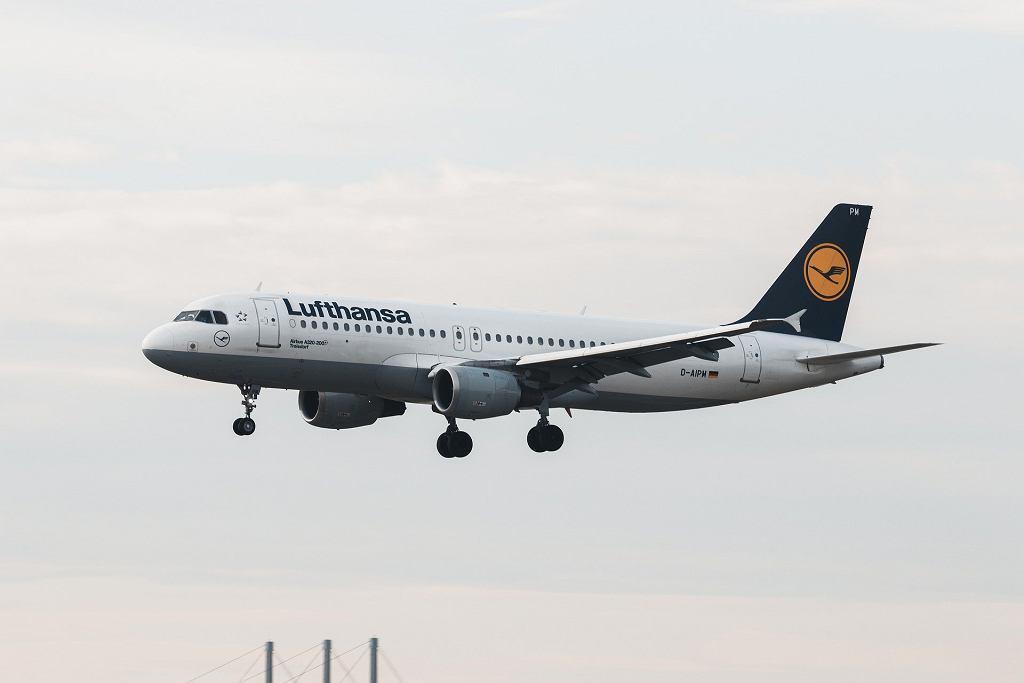 Lufthansa ogranicza loty - zdjęcie ilustracyjne