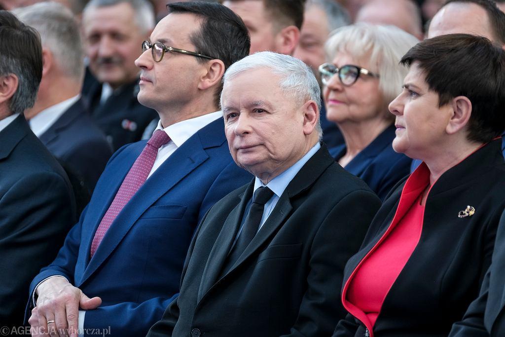 Morawiecki i Kaczyński polecą do Smoleńska 10 kwietnia