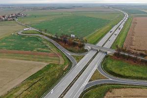 Modernizacja autostrady A4 i budowa nowego odcinka S5. Cztery firmy chcą zaprojektować prace