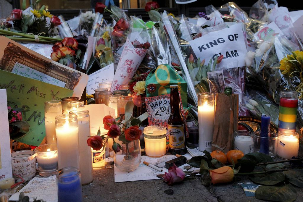 PEOPLE-BOWIE/DEATH (fot. Reuters, BRENDAN MCDERMID)