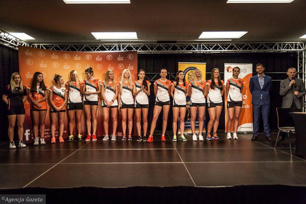 Siatkarki ECO AZS Uni Opole podczas prezentacji drużyny