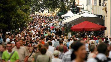 Sopot jest coraz bardziej popularny wśród turystów z całej Polski.