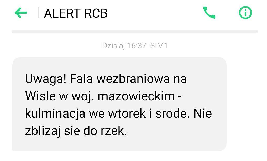 Alert RCB 'Nie zbliżaj się do rzek'
