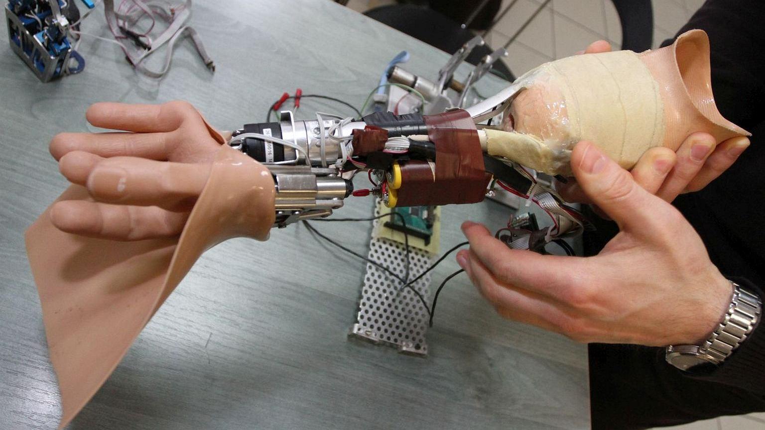 Prototyp protezy dłoni