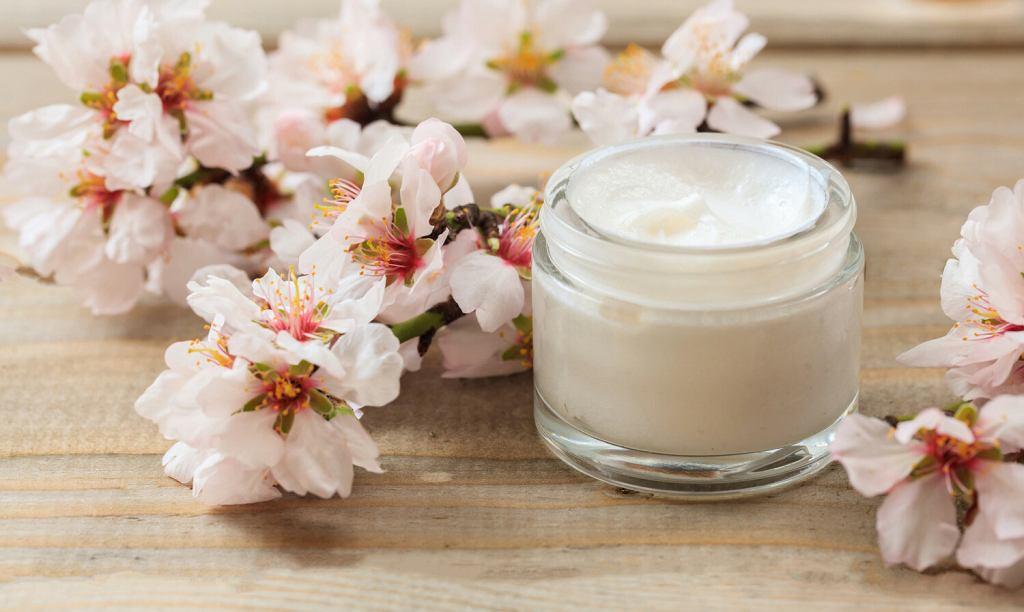Jak zrobić wiosenne porządki w kosmetyczce?