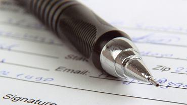Przed podpisaniem umowy warto przeczytać warunki ubezpieczenia