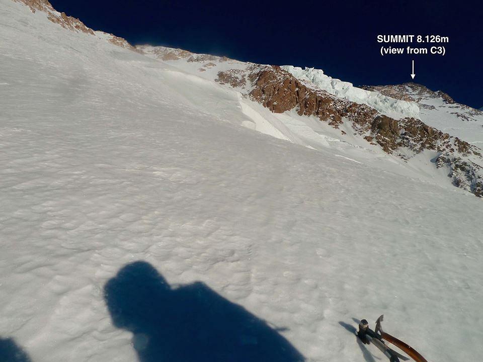 Widok na szczyt z obozu III