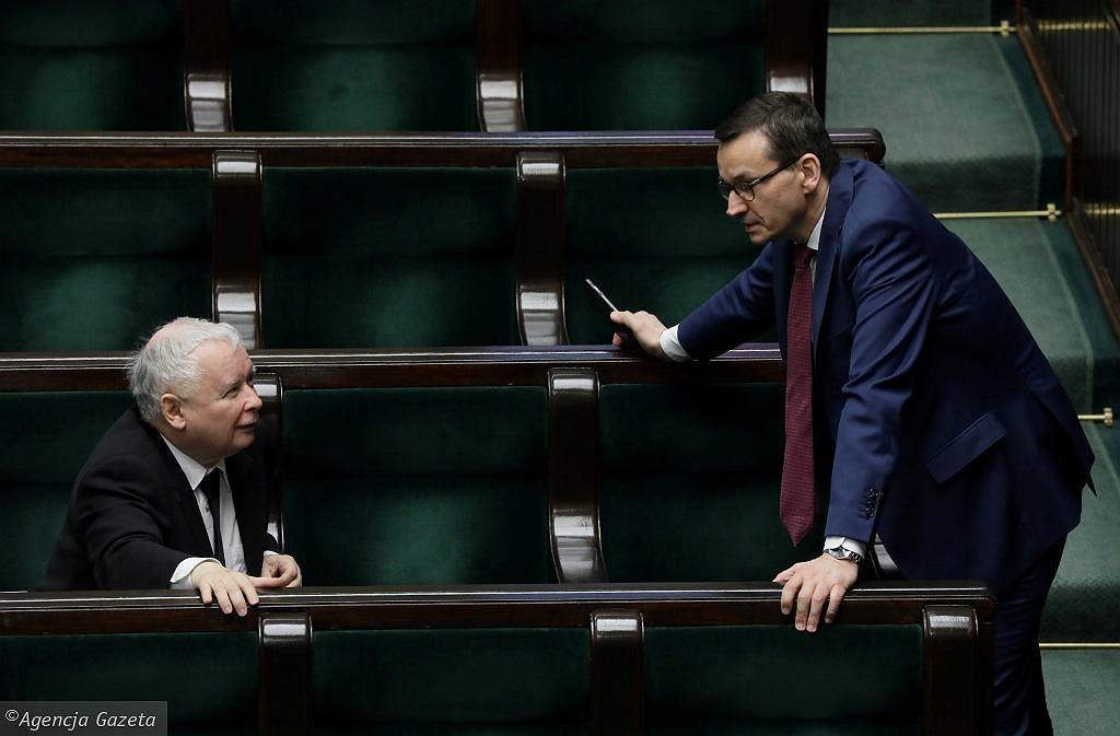 Krajowy Plan Odbudowy przegłosowany. Sejm ratyfikował ustawę o zasobach własnych Unii Europejskiej. Na zdjęciu Jarosław Kaczyński i Mateusz Morawiecki