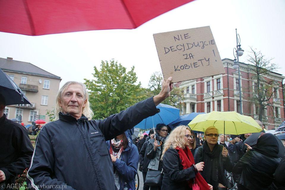 Zdjęcie numer 48 w galerii - Czarny protest w Zielonej Górze: