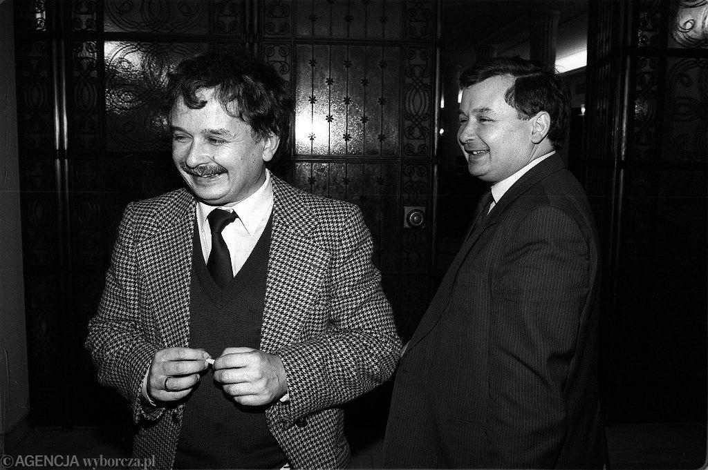 Lech i Jarosław Kaczyńscy w Sejmie, 25-26 października 1990 r.