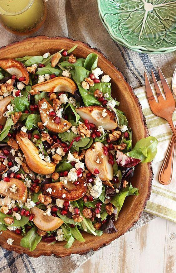 Gruszka i gorgonzola doskonale do siebie pasują w sałatce