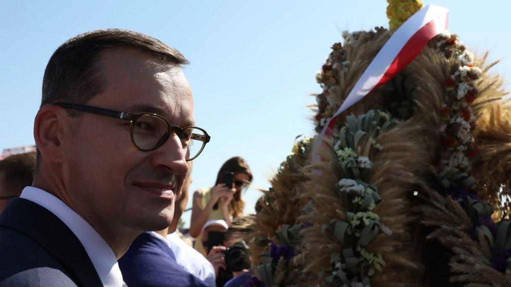 Premier Mateusz Morawiecki na Ogólnopolskim Święcie 'Wdzięczni Polskiej Wsi' w Kolnie, którego jest inicjatorem