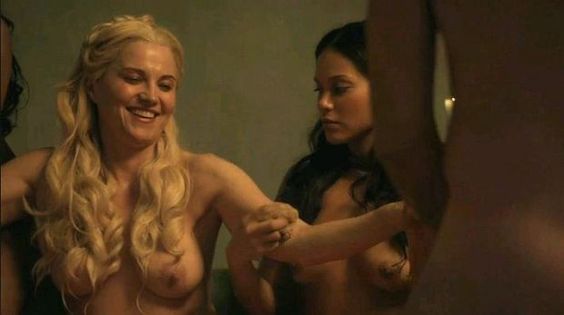Lucy Lawless, piersi, cycki, sutki, gwiazd, gwiazdy nago, gołe aktorki, spartacus, tits