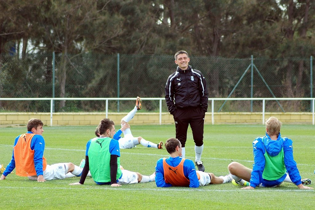 Trening Lecha Poznań w Costa Ballena. Trener Mariusz Rumak