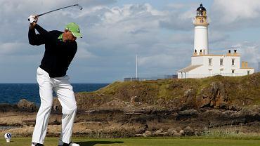 Donald Trump traci na swoich szkockich klubach golfowych. Na zdjęciu Stewart Cink podczas zawodów w Turberry.