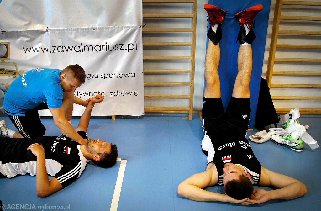 Trener Stephane Antiga i i siatkarze reprezentacji Polski podczas treningu i imprezy charytatywnej fundacji