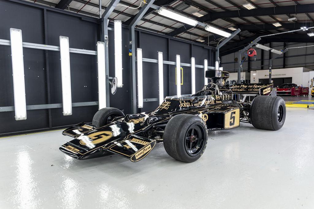 Legendarny bolid Formuły 1 - Lotus 72