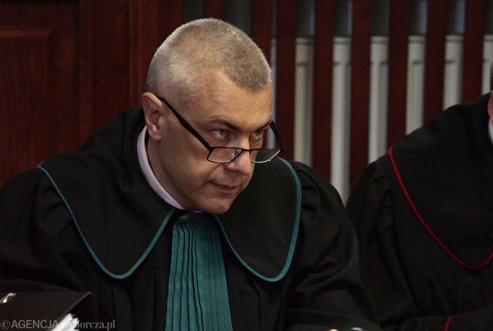 Roman Giertych. Dzięki sędzi Żurowskiej nie musi siedzieć w areszcie.